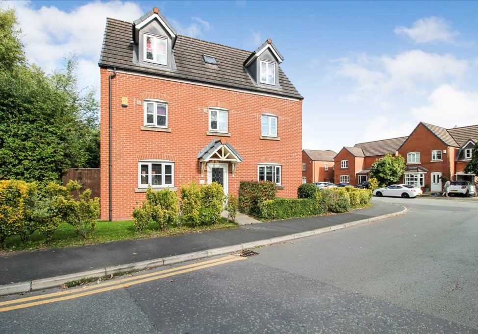 Property For Sale Chatsworth Fold, Wigan Featured Image